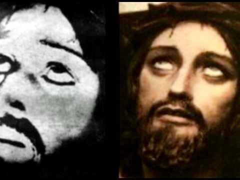 Ernetti'nin çekmiş olduğunu iddia ettiği Hz. İsa fotoğrafı. Soldaki orjinali, sağdaki ise temsili.