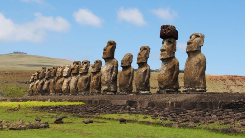 Moai Heykelleri